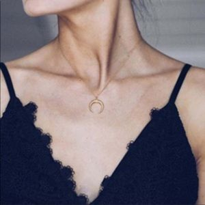 Jewelry - Crescent 🌙 Moon Necklace
